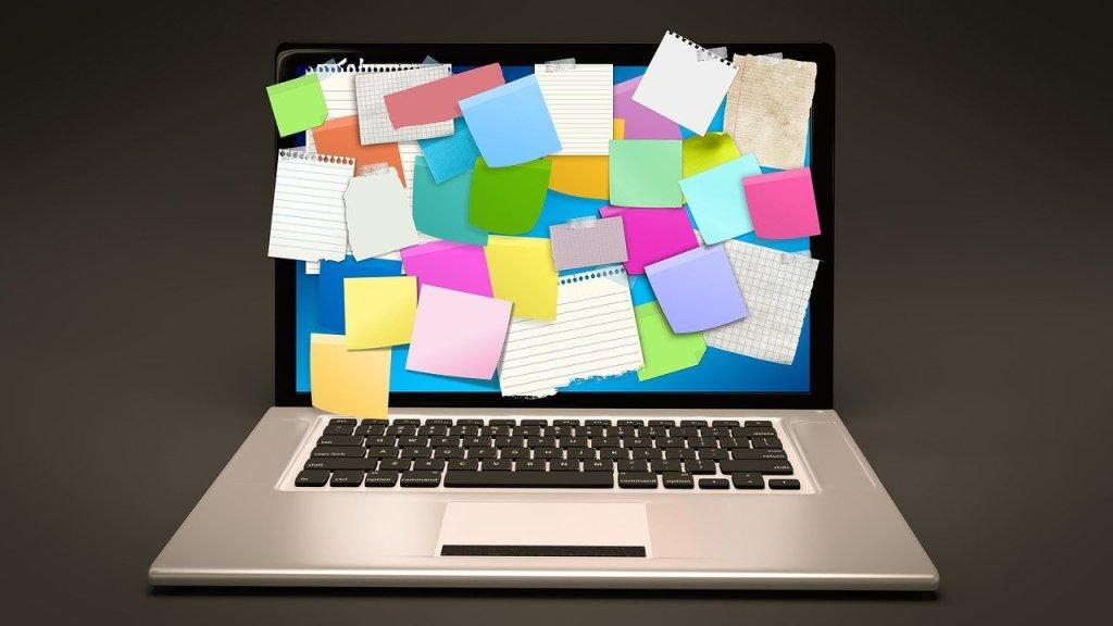ordinateur portable post-it