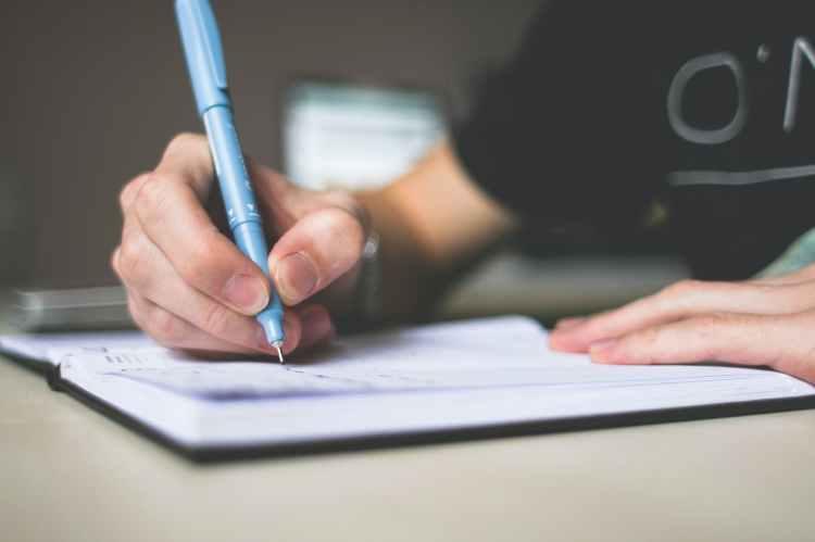 écrire main stylo