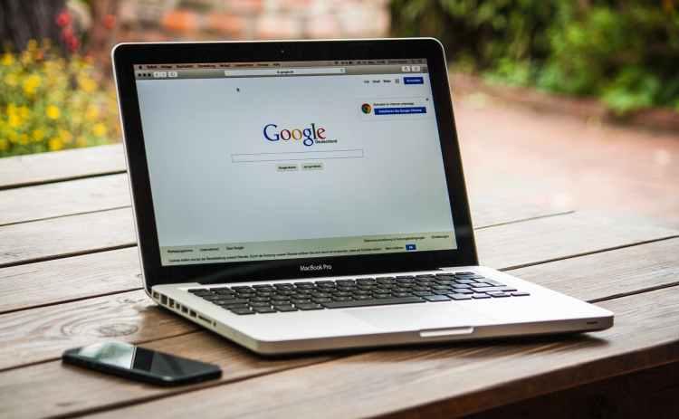 ordinateur portable Google table