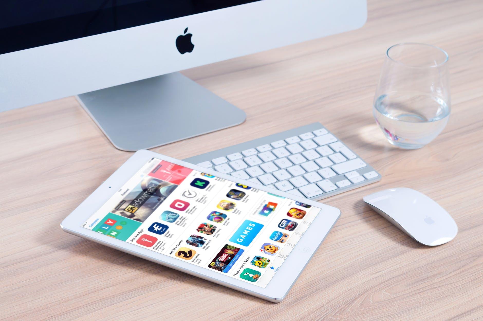 écran clavier souris tablette